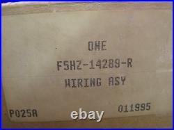 NOS OEM Ford 1992 F 600 700 800 Series Truck Engine Wiring Harness Cummins 5.9L